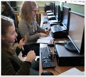 Děti u počítačů