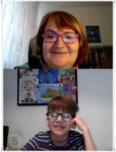 Paní učitelka a prvňáček na Skypu