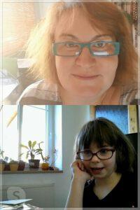 Paní učitelka se zelenými brýlemi