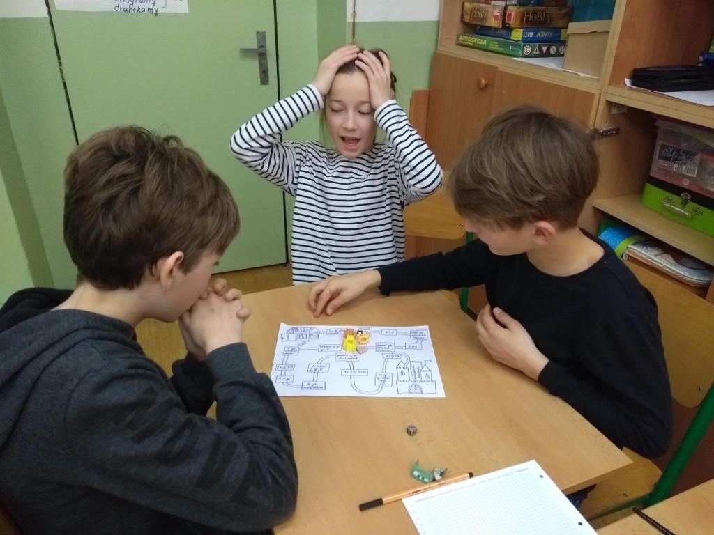 Tři šeťáci hrají matematickou hru